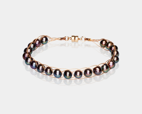 Black Pearl Bracelet Gold-plated stainless steel