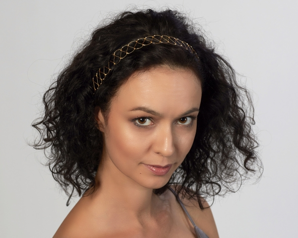 Gold String Headband With White Pearls Gold-plated stainless steel