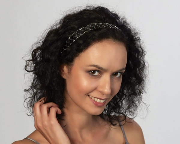 Silver String Headband With White Pearls Silver-plated stainless steel