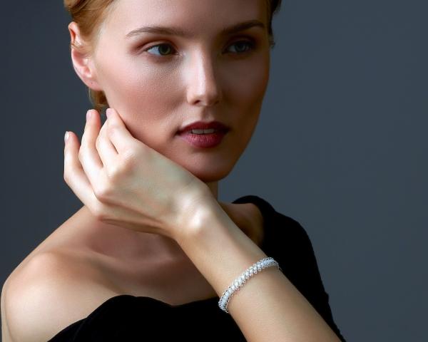 Jeweled Bracelet With White Swarovski Crystals Silver White Transparent