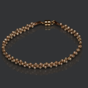 Jeweled Bracelet With Beige Pearls Magnetic clasp